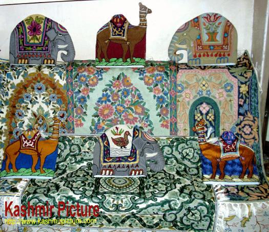 Kashmir Crafts Handicrafts Of Kashmir Kashmir Carpets Kashmir