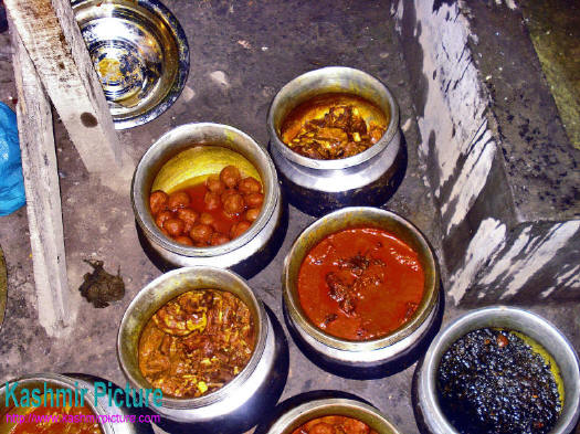 Kashmir cuisine kashmir kashmir wazwaan kashmiri food recipes in the kashmiri tradition is treated with great respect its preparation is considered an art almost all the dishes forumfinder Gallery